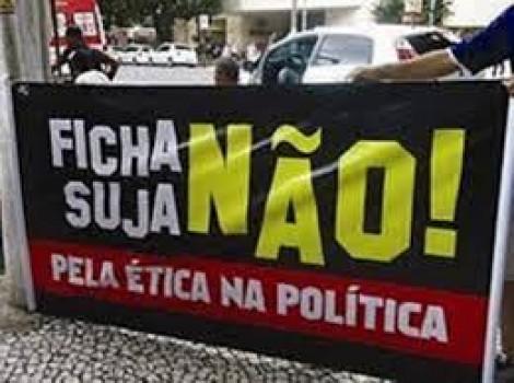 """O PT, a Lei da Ficha Limpa e a """"divindade"""" Lula"""
