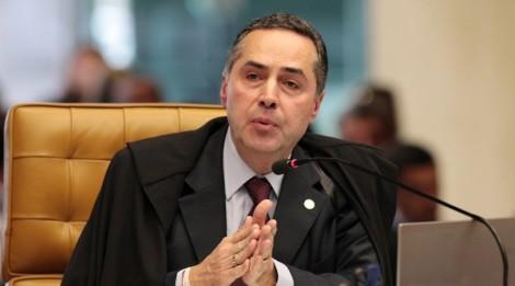 Barroso, após memorável pronunciamento, vota pelo fim da farsa petista