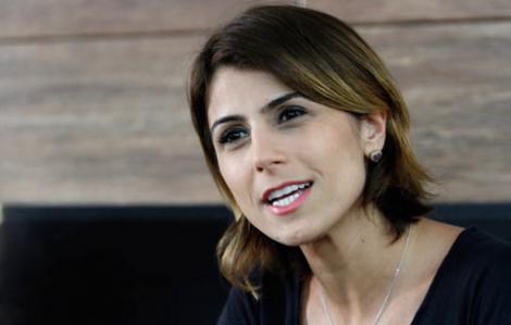 Contrariada em discurso, Manuela se irrita e demonstra toda a sua arrogância (Veja o Vídeo)