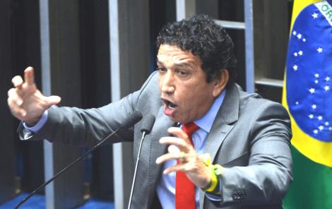 Há um ano, Magno Malta denunciou o plano para matar Bolsonaro (Veja o Vídeo)