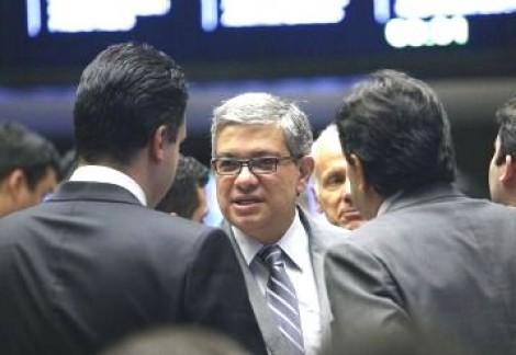 """Inconformado, deputado e secretário-geral do PSDB confirma: """"A febre pró Bolsonaro é real"""""""