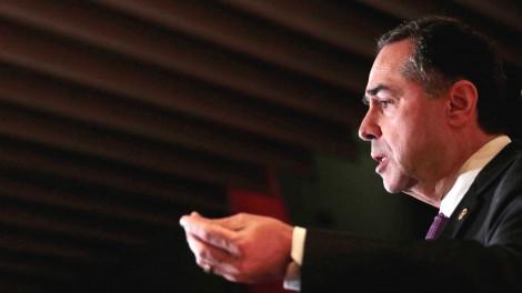 "Barroso: Há no STF gabinetes ""distribuindo senha para soltar corrupto"""