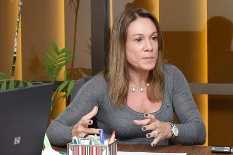 Deputado xinga e agride prefeita, ex-mulher de Romero Jucá (Veja o Vídeo)