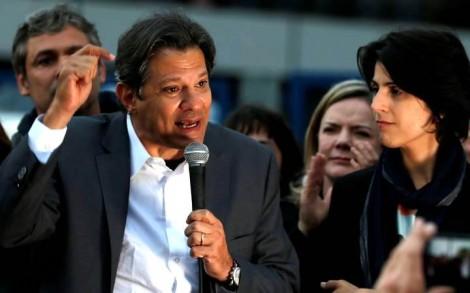 Haddad, deselegante e mau perdedor, discursa e não menciona o nome de Bolsonaro