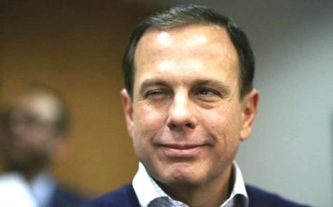 Dória repete gesto como prefeito e promete doar todos os salários de governador (Veja o Vídeo)