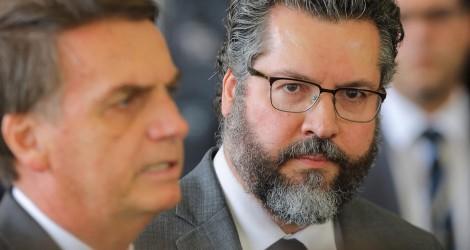 """Chanceler de Bolsonaro não correrá o mundo """"pedindo desculpas"""""""