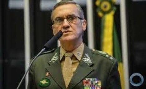 Alto Comando do Exército faz reunião para discutir liminar de Marco Aurélio