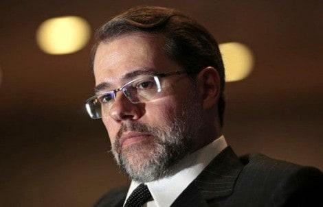 A verdade não contada sobre a liminar de Toffoli: a conversa entre o ministro e o general