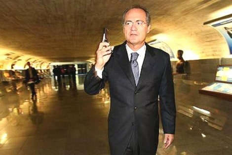 Senador manda mensagem enigmática para Renan