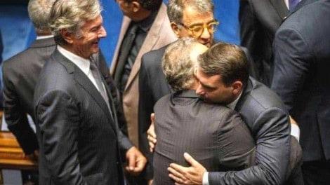 O abraço indesejável?