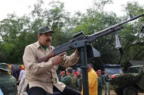 Uso da força parece ser inevitável contra Maduro