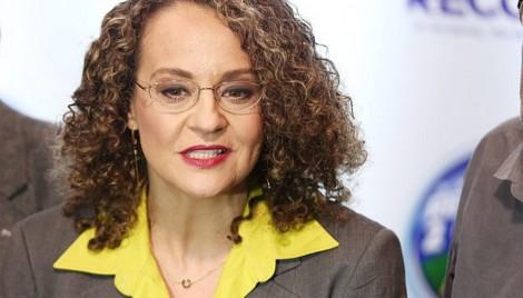 """Para Luciana Genro, filha de um protetor de terrorista, o Ministro da Educação é """"imbecil"""""""