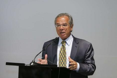 Paulo Guedes dá show na Comissão de Assuntos Econômicos do Senado