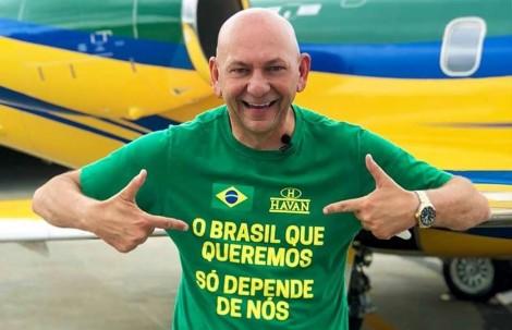 Irreverente, dono da Havan faz festa para comemorar um ano da prisão de Lula (Veja o Vídeo)