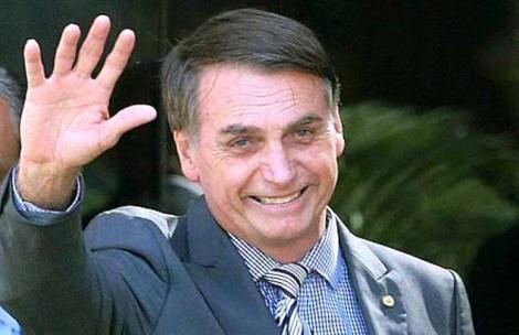 Pesquisa - que não é Ibope, nem Datafolha - aponta 72% de aprovação de Bolsonaro