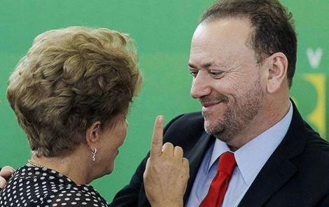 PT começa a entregar os pontos, ex-ministro de Dilma puxa a fila e admite que 'Lula Livre' acabou