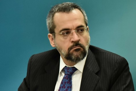 """Não existe soberania universitária: """"Não pode haver consumo de drogas nos campi"""", diz ministro"""