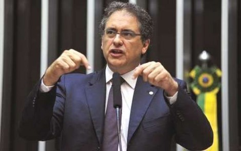 """Deputado do PT comemora decisão que tira o COAF de Moro e chora a prisão do """"golpista"""" Temer"""