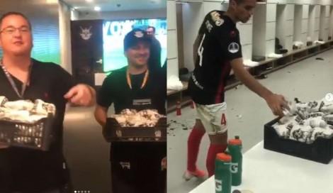 Jogadores venezuelanos agradecem doações de alimentos após jogo contra o Corinthians