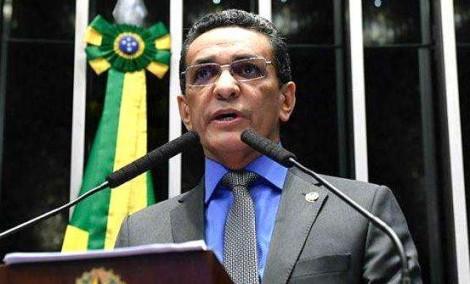 Desvendado o nome do senador que tentou fraudar eleição em favor de Renan. Falta cassá-lo...
