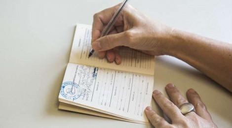 Volta a crescer no país o número de carteiras de trabalho assinadas