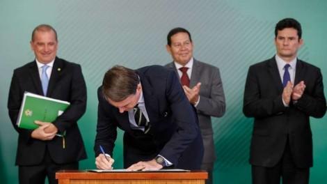 Saiba como votar na enquete da Câmara sobre o Decreto de Armas de Bolsonaro