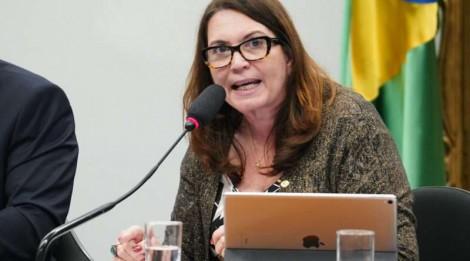 """Bia Kicis desmoraliza petistas e silencia plenário: """"Os petistas roubaram demais"""" (Veja o Vídeo)"""