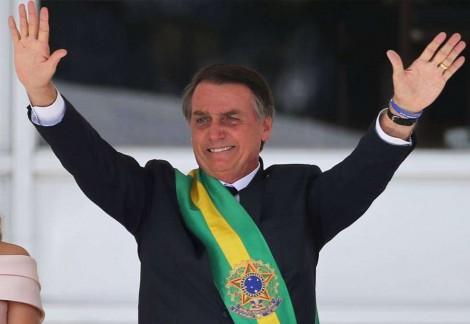 Carlos Bolsonaro compartilha 31 grandes feitos do governo de seu pai em apenas 6 meses de governo