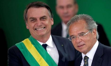 Sem medo de perder capital político, Bolsonaro faz o que é necessário para garantir futuro do país