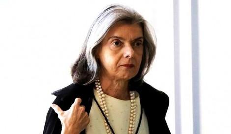 """Decisão contra a """"farra"""" de Toffoli está nas mãos de Cármen Lúcia, alerta Modesto Carvalhosa"""