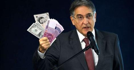 Situação de Pimentel se complica e PF encontra euros, dólares e libras em seu apartamento