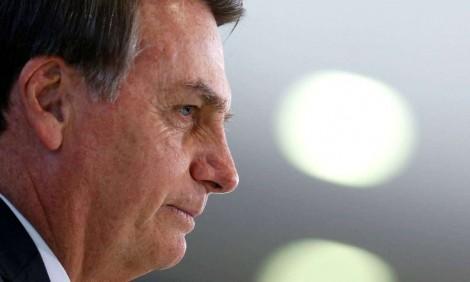 Indignado, Bolsonaro fala sobre matéria da Veja que aponta avó de Michelle como traficante (Veja o Vídeo)