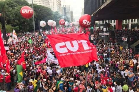 Pedidos de registro de sindicatos despencam quase 80% sem contribuição obrigatória