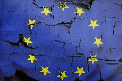União Européia: É isso que dá colonizar o mundo, sem cuidar da própria horta...