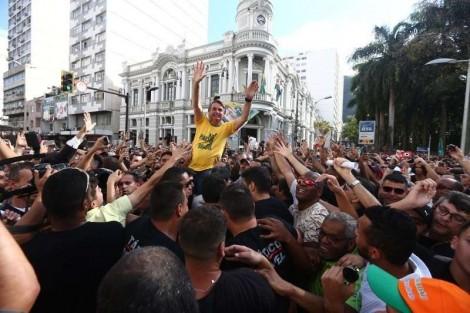 O ataque de Adélio a Jair Bolsonaro foi amplamente celebrado, com um declarado pesar por não tê-lo matado
