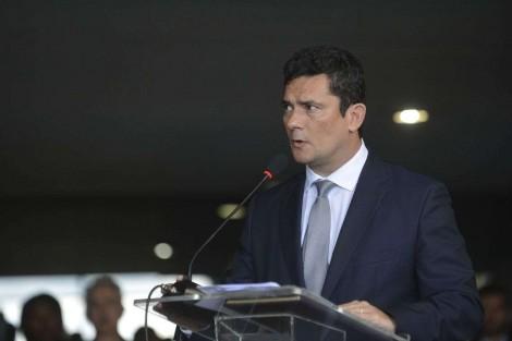 Governo homofóbico? Sérgio Moro nomeia dois transexuais para importantíssimo comitê