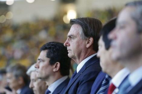 """Pacote anticrime foi elaborado """"para ser temido por marginais e não pelo cidadão de bem"""", diz Bolsonaro"""