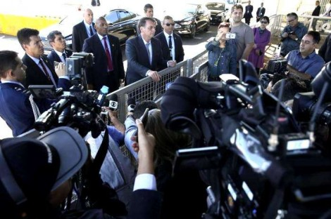 Com apenas uma frase, Bolsonaro dá resposta implacável que atinge toda a imprensa (Veja o Vídeo)