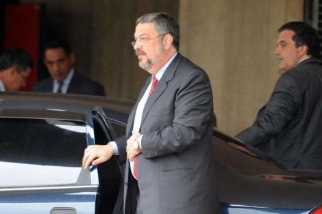 """Palocci revela que Lula usou propina do 2º mandato para garantir sua """"aposentadoria"""" (Veja o Vídeo)"""