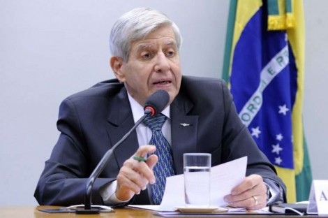 A invertida magistral do general Heleno na pervertida deputada do PSOL (veja o vídeo)