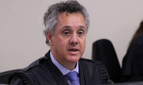 Gebran Neto rejeita todas as preliminares de Lula, inadmite mensagens roubadas e detona o STF