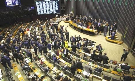 """O recado do Congresso para a população: """"Quem manda no Brasil somos nós, os poderosos. """""""
