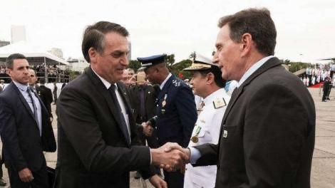 Bolsonaro: Se for possível e legal, nós vamos atender Crivella