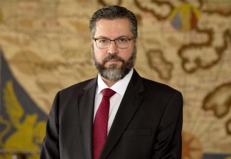 Ernesto Araújo faz balanço da política externa em 2019 e desmoraliza a extrema-imprensa (veja o vídeo)