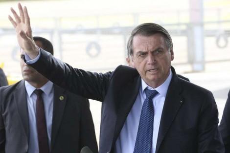 """Bolsonaro critica a extrema imprensa em frente a jornalistas: """"Não sabem nem mentir mais"""" (veja o vídeo)"""