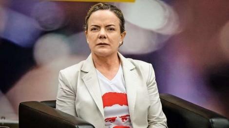 PT, em pleno desespero, tenta investir na comunidade evangélica, a pedido de Lula