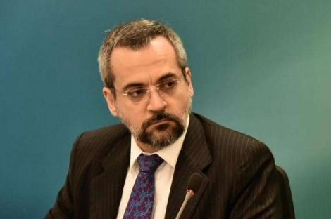 Na mais completa inversão de valores, UNE entra no STF contra Weintraub e Toffoli pede explicações ao ministro
