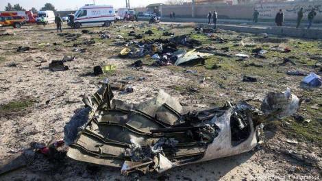 """Ante as evidências, Irã admite ter derrubado """"por engano"""" o avião da Ucrânia"""