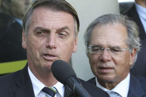 Bolsonaro e Guedes surpreendem e anunciam um novo valor para o salário-mínimo (veja o vídeo)
