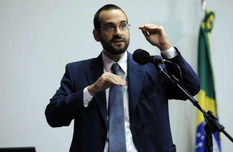 Irmão de Weintraub desmantela mentira sobre aumento de gastos do Alvorada com Bolsonaro
